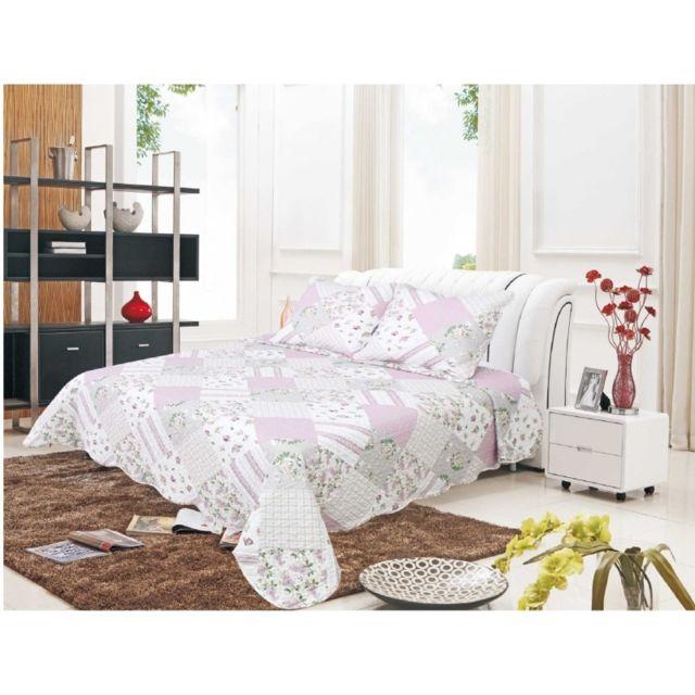 univers decor couvre lit boutis 180 x 240 cm pour lit 1 place patch rose pas cher achat. Black Bedroom Furniture Sets. Home Design Ideas