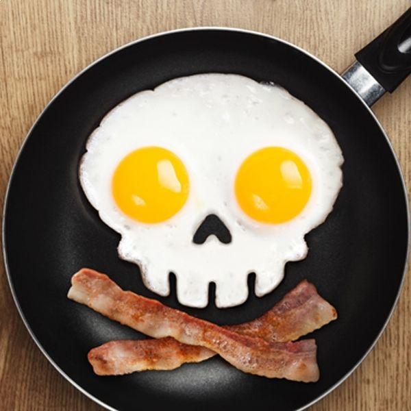Totalcadeau Moule silicone tête de mort œuf sur plat squelette