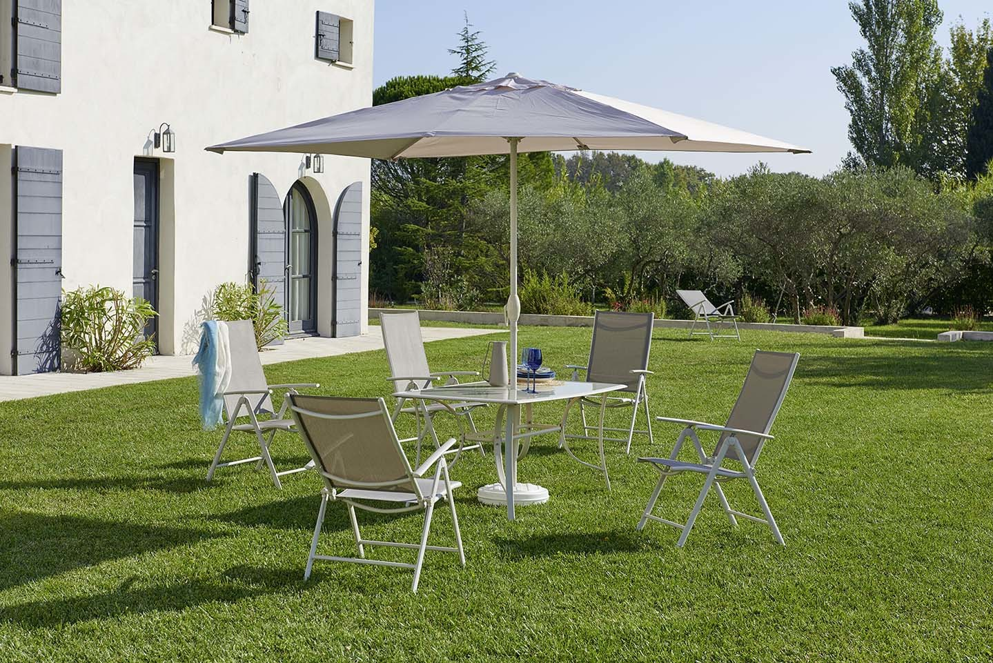 CARREFOUR - Set Rona 1 Table + 6 Fauteuils + 1 Parasol Ecru - pas ...