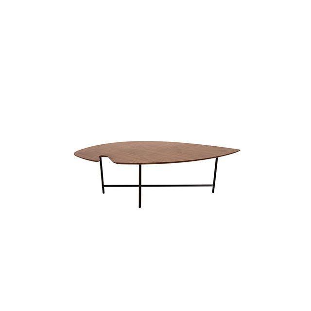 Table basse en plaqué noyer et piètement métal