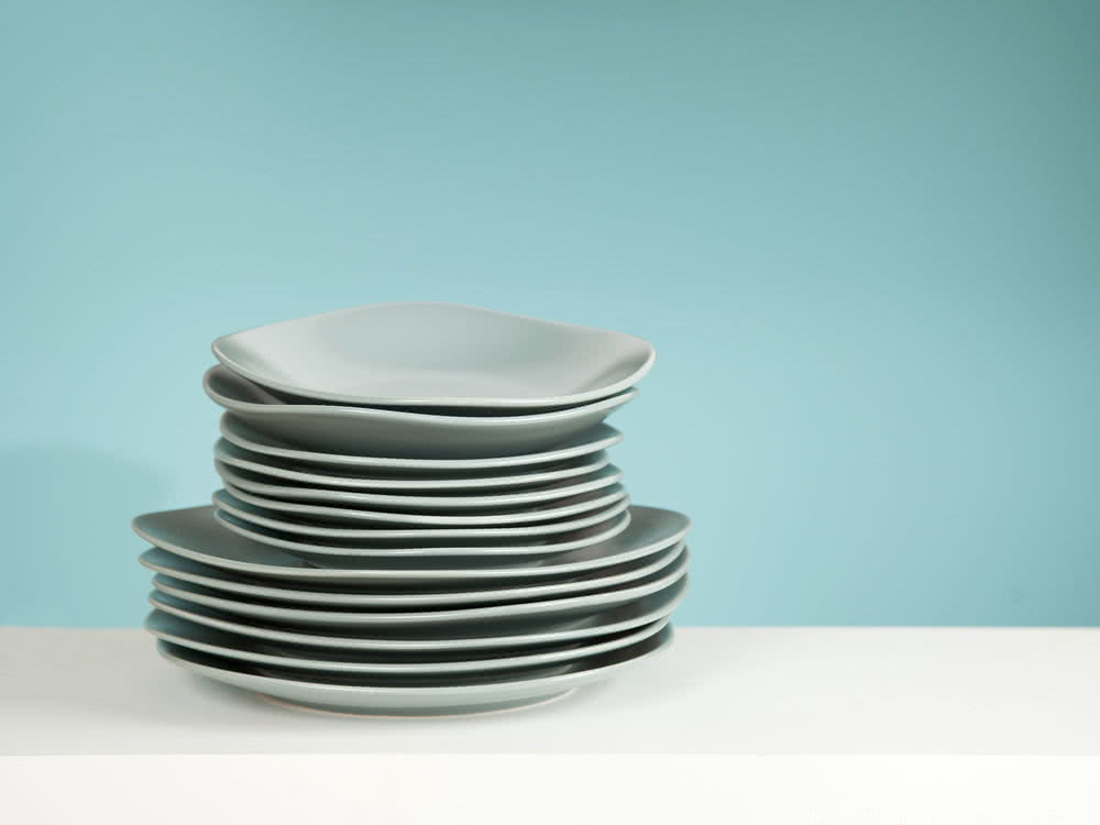 Service de table en faïence 18 pièces forme carrée finition mat Square - Vert de gris