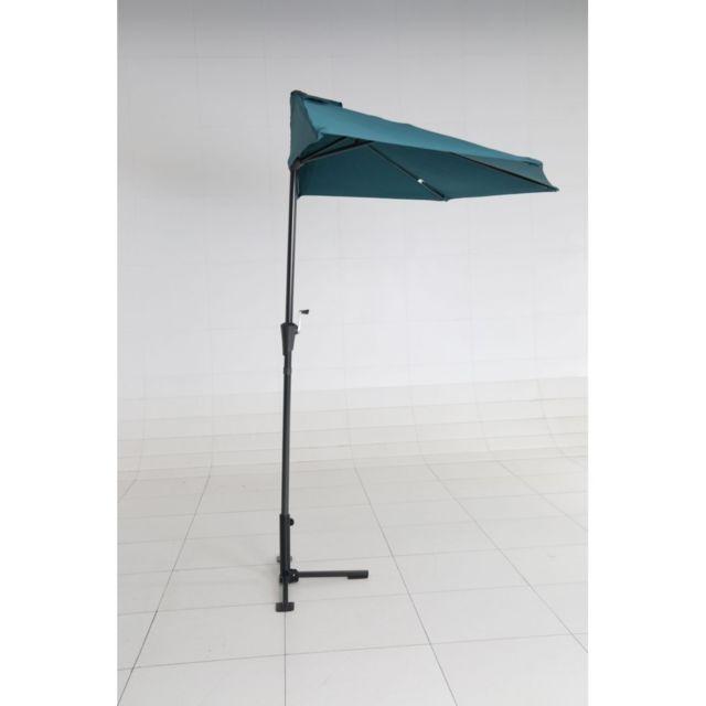 Demi parasol Cuba Dimensions: ø 38cm. Structure en aluminium. Toile en polyester 180g/m2. Coloris bleu pétrole . Avec ba