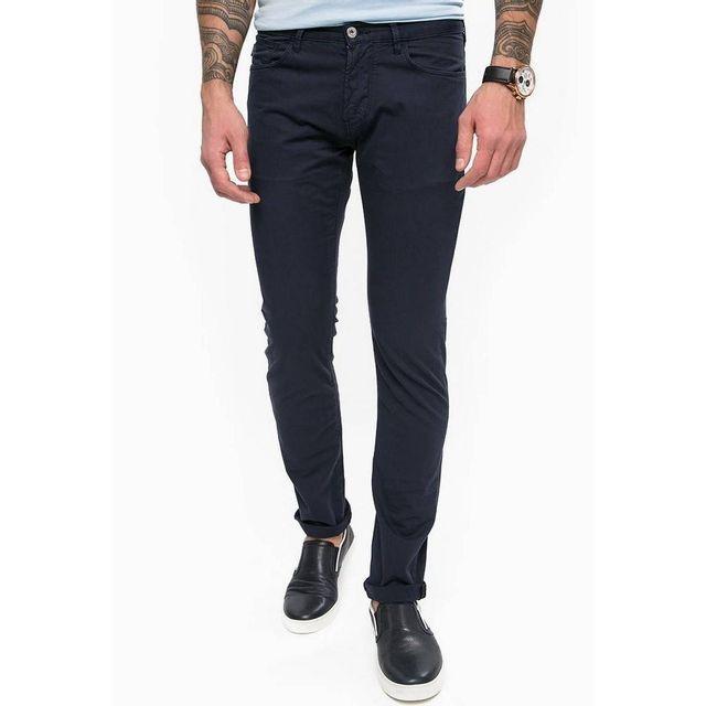 5c7a3841e31b3 Armani - Pantalon Slim Jeans - pas cher Achat   Vente Pantalon homme -  RueDuCommerce