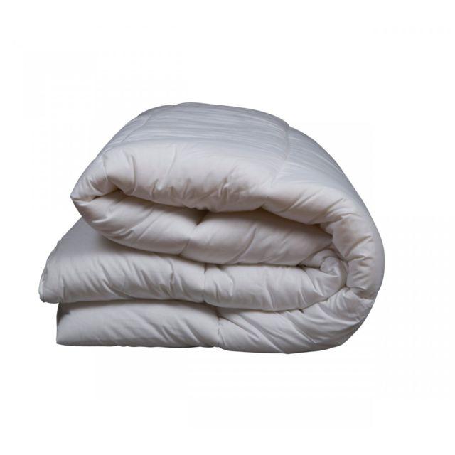 reve de nuit couette et 200g 140x200 pas cher achat vente couettes rueducommerce. Black Bedroom Furniture Sets. Home Design Ideas