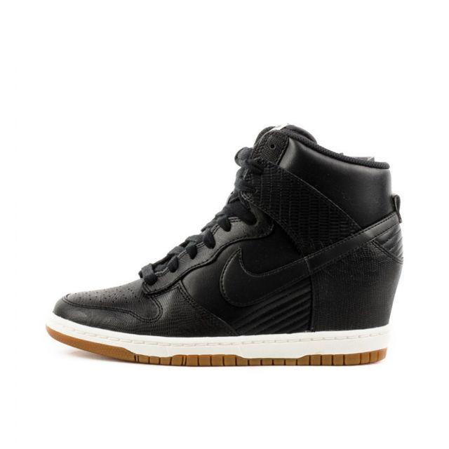 Nike - Basket Dunk Sky High - Ref. 528899-012 - pas cher Achat   Vente  Baskets femme - RueDuCommerce 06e9909aa99