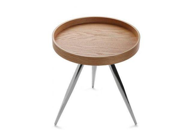 Declikdeco Craquez pour cette Table Basse Ronde Chêne Nizak! Son design, simple et efficace, la rend également très fonctionnelle.