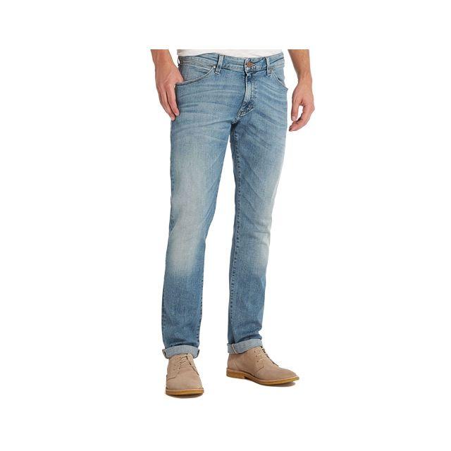 983aab536ec27 Wrangler - Jean slim tapered Larston bleu clair délavé - pas cher Achat    Vente Jeans homme - RueDuCommerce