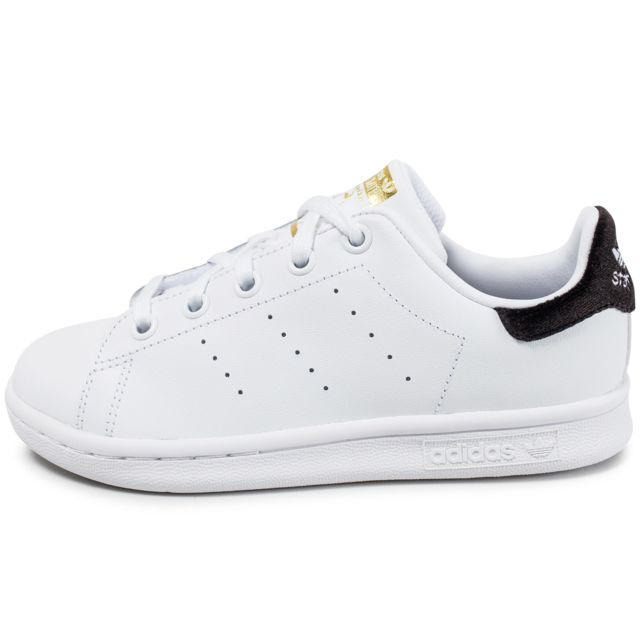 adidas originals stan smith enfant blanche et noire pas cher achat vente baskets enfant. Black Bedroom Furniture Sets. Home Design Ideas