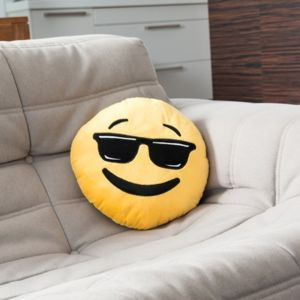 coussin-emoticone-en-peluche-smiley-cool.jpg