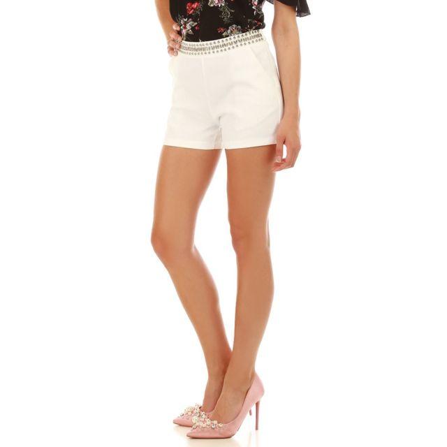 555ea4eec Short blanc taille haute avec perles argentées