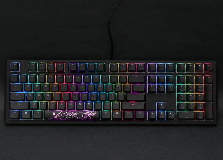 Shine 7 RGB PBT - Blackout