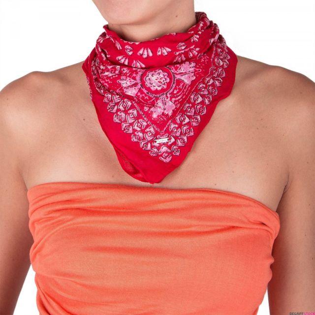 Pepe Jeans - Lot 2 foulards bleu et rouge femme - pas cher Achat   Vente  Echarpes, foulards - RueDuCommerce 609ff66258a