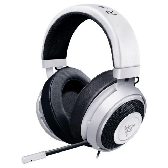 RAZER Kraken Pro V2 OVAL – Blanc Le casque Razer Kraken Pro v2 est un condensé de technologies vous permettant de suivre précisément votre environnement sonore, tout en communiquant clairement avec vos coéquipiers.