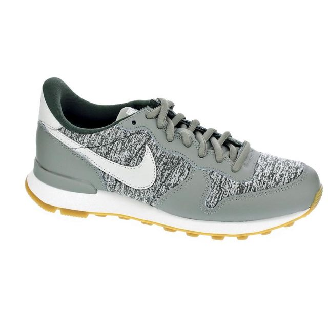 taille 40 adffa 496e8 Nike - Chaussures Femme Baskets basses modele ...