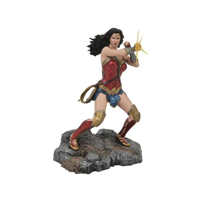 Diamond Select Toys Dc Comic Gallery - Diorama Wonder Woman Bracelets Justice League Movie, 23 cm