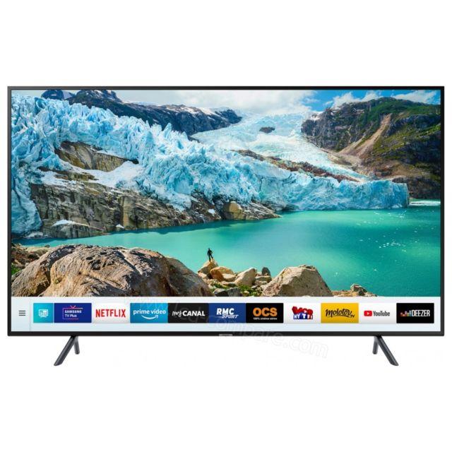 """Samsung TV LED 50"""" 125 cm - UE50RU7172 TV LED 50"""" 125 cm UE50RU7172 Samsung, un téléviseur design qui vous permet de profiter d'images de qualité. Pratique, ce modèle possède des fonctionnalités faciles à exécuter."""