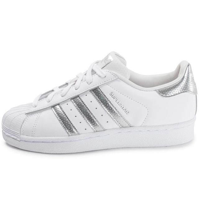 Femmes Adidas Originals Superstar Baskets blanc et argent