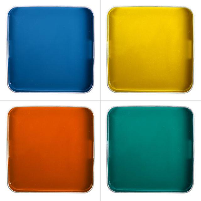 TABLE PASSION PLATEAU CARRE ARC EN CIEL 35 X 35 CM 1 modéle aléatoire