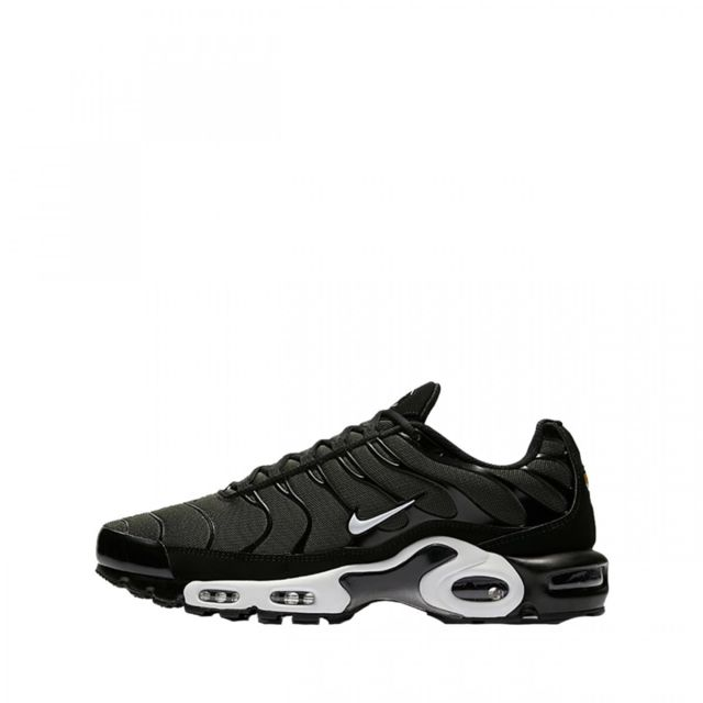 basket air max plus noir