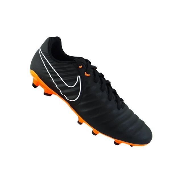 chaussure de foot nike tempo