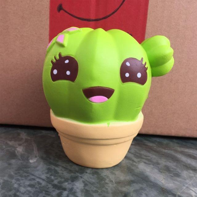 Wewoo Jeux anti stress jaune Cartoon Cactus Style Pu Slow Rebond Simulation Jouet Relief Cadeaux Sains, Taille: 10 8 7.8 cm