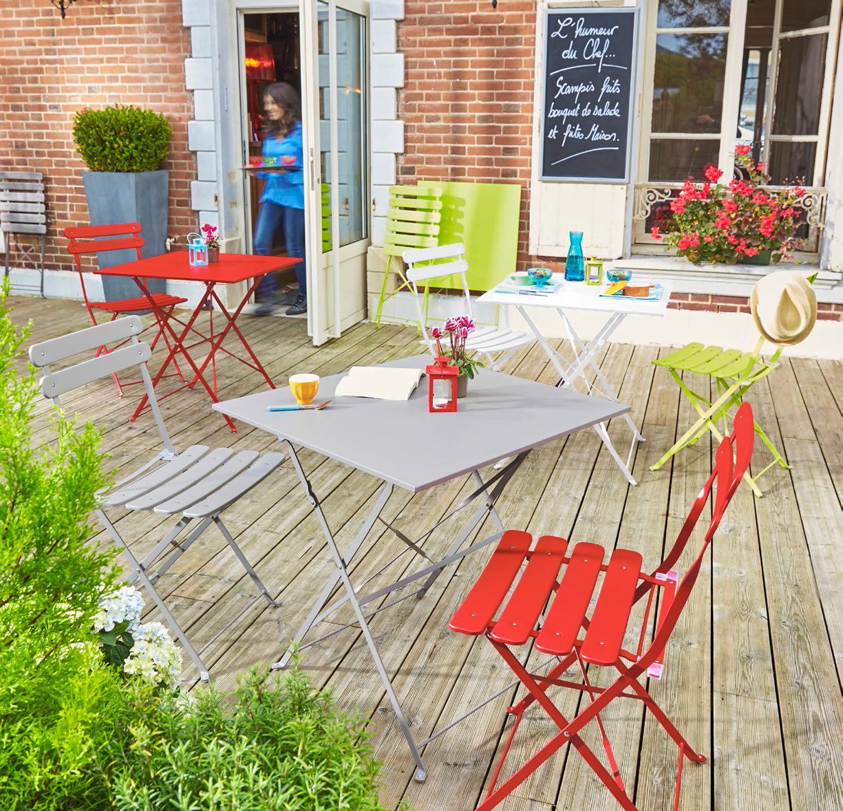 carrefour chaise bistrot pliante rouge pas cher achat vente chaises de jardin. Black Bedroom Furniture Sets. Home Design Ideas