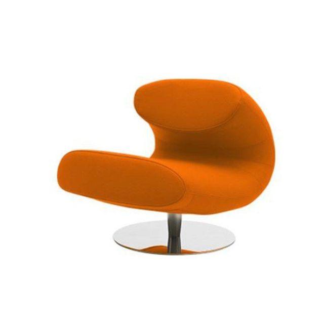Inside 75 Fauteuil design Rio en vinyl orange avec piétement pivotant en acier inoxydable Softline