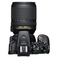 D5600 + Af-s Dx Nikkor 18-140mm Ed Vr