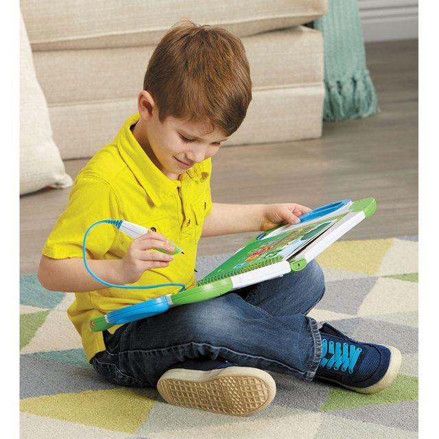 VTECH MagiBook - J'apprends les formes et les couleurs - 480505 Le MagiBook : le nouveau système interactif et évolutif pour apprendre tout en s'amusant ! Apprends les formes et les couleurs avec ton livre interactif MagiBook !