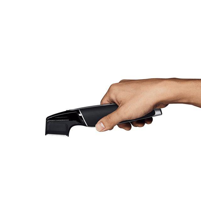 PANASONIC Tondeuse à barbe ER GD50 K803 La nouvelle tondeusePanasonic ERGD50K803se présente sous une nouvelle forme totalement repensée pour une prise en main optimale. Cette nouvelle ergonomie permet une utilisation en toute sim