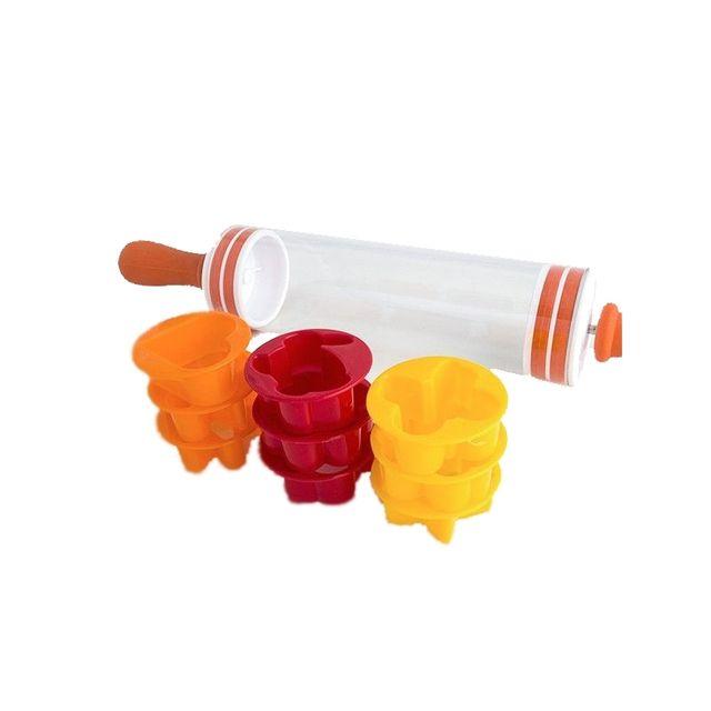 Emporte-pièces et rouleau pour biscuits - 9 pièces - Jaune, orange et rouge