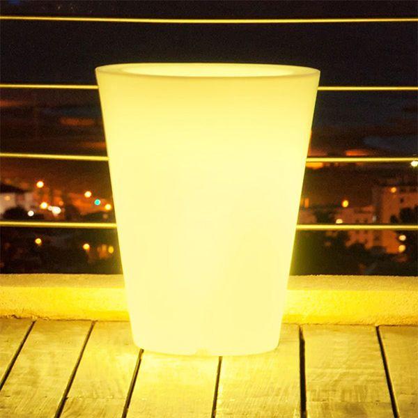Lumisky vase lumineux multicolore conique secteur d for Vase lumineux exterieur