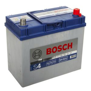 bosch batterie auto 330a 45ah pas cher achat vente batteries rueducommerce. Black Bedroom Furniture Sets. Home Design Ideas