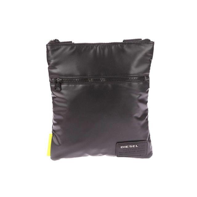 b38ea00bb38b Diesel - Sacoche plate zippée Discover-Uz noire à effet enduit - pas cher  Achat   Vente Besaces et bandoulières - RueDuCommerce