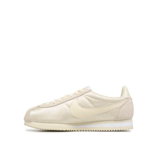 on sale 48128 6f480 Nike - Basket Classic Cortez Nylon - Ref. 749864-201 - pas cher Achat    Vente Baskets femme - RueDuCommerce