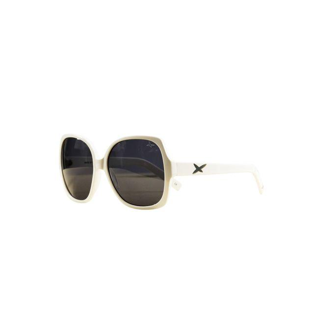 Mauboussin - Lunettes de soleil Eyewear Forty Six Blanc - pas cher Achat   Vente  Lunettes Tendance - RueDuCommerce 62ff79aca4bc