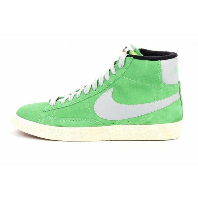 best authentic 10d0e bccde Nike - Basket Blazer Mid Premium - Ref. 538282-302 - pas cher Achat   Vente  Baskets homme - RueDuCommerce