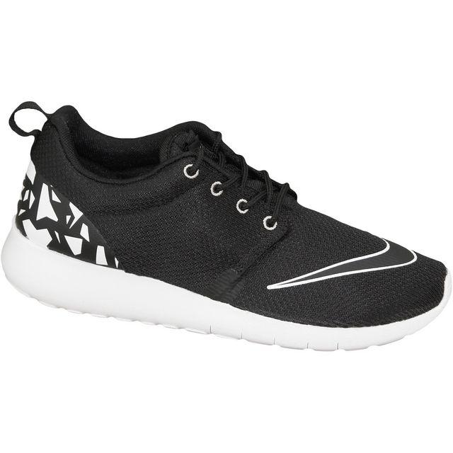 new style c20bc 47320 Nike - Roshe One Fb Gs 810513-001 Noir - pas cher Achat   Vente Baskets  enfant - RueDuCommerce