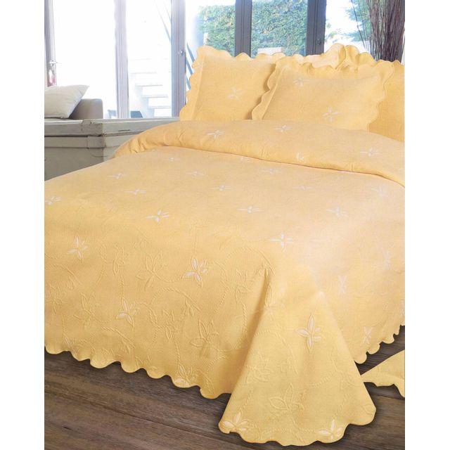 le linge de jules couvre lit piqu 2 personnes 220x260 jaune pas cher achat vente. Black Bedroom Furniture Sets. Home Design Ideas