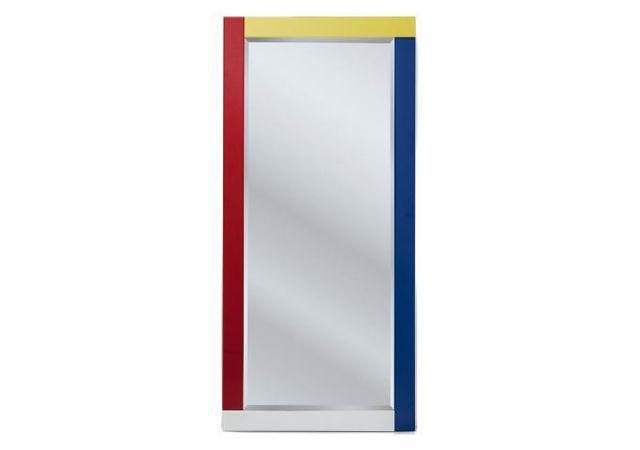 Declikdeco Comme plus, le Miroir Composition 150x70cm mise sur sa silhouette tout en couleur pour apporter gaieté et bonne humeur à