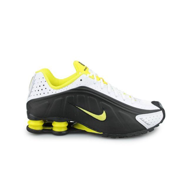 Nike Shox R4 Noir pas cher Achat Vente Baskets homme