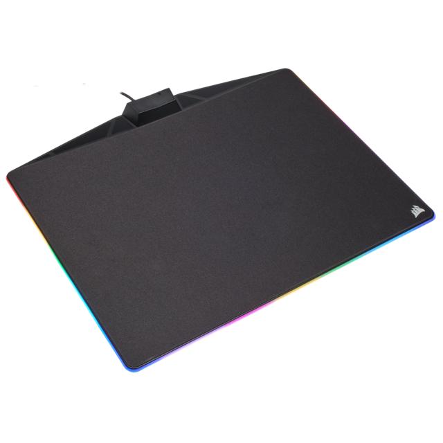 Corsair Gaming MM800C RGB Polaris Le tapis de souris MM800C Polaris propose une expérience de glisse incomparable. Sa surface de glisse lisse et rigide combinée à un éclairage RGB de toute beauté vous permettent de créer le setup de votre choix.