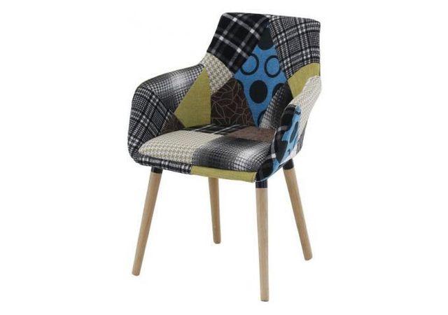 Declikdeco Le Fauteuil Scandinave Patchwork coloré Rikel est destiné à vous amener un confort et un design inimitable. La compilati