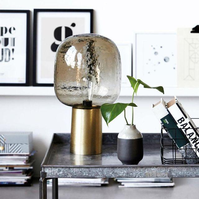 House Doctor - Note - Lampe à poser Laiton/Verre fumé H52cm Doré