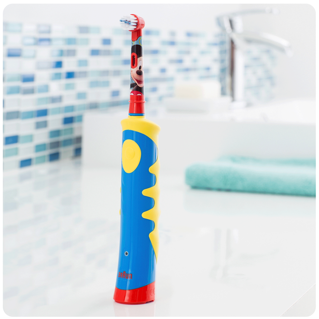 ORAL-B Brosse à dents électrique Stages Power Kids 950TX