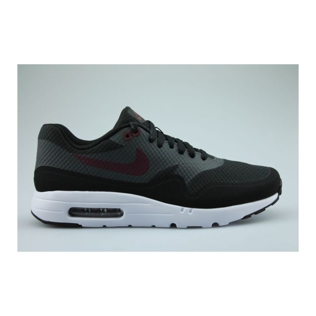 Nike Baskets Air Max 1 Ultra Essential Noir 41 pas cher