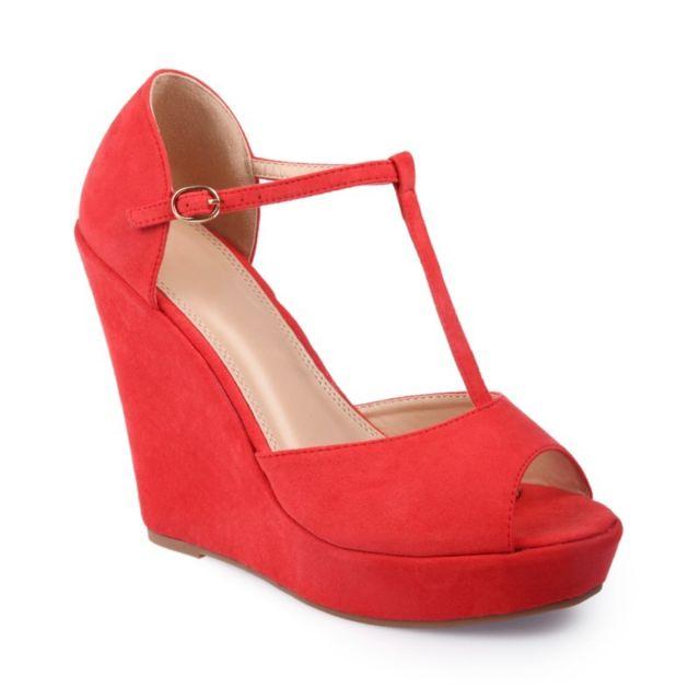 a91a7e53e6090 La Modeuse - Sandales compensées avec brides aspect daim rouge - pas ...