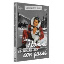 Bach Films - Un homme se penche sur son passé