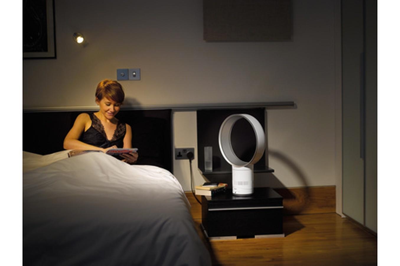 dyson ventilateur de table am01 pas cher achat vente ventilateur rueducommerce. Black Bedroom Furniture Sets. Home Design Ideas