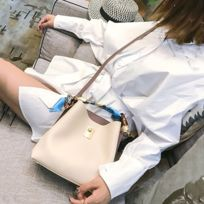 c69924d9ce Sac porté épaule à bandoulière à en cuir Pu de grande capacité pour femme  blanc